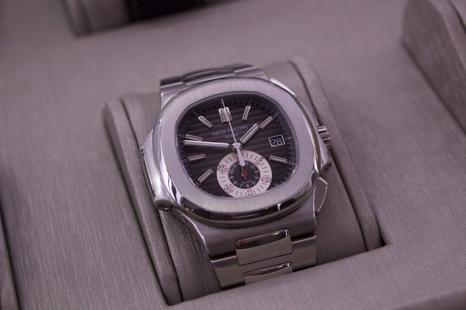 What to Think About When Buying Watches Online