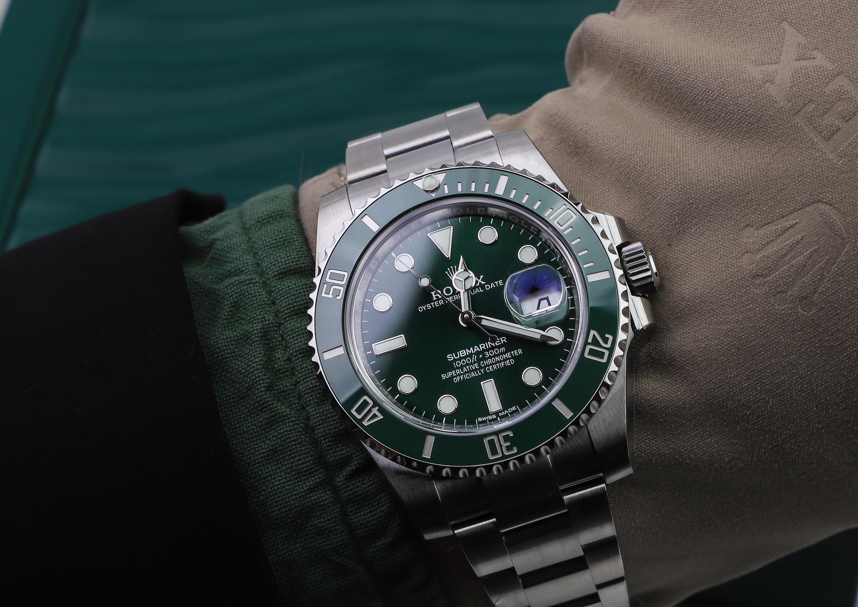 Rolex Submariner 116610LV Hulk wristshot
