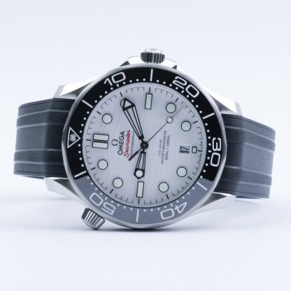 Omega Seamaster Diver 300M 42 MM White Dial Rubber New 2020