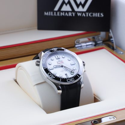 Omega Seamaster Diver 300M 42mm White Dial Rubber New 2021